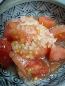 トマトのオニオンドレッシング和え