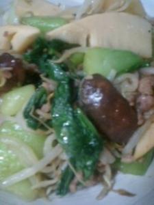 モヤシとチンゲン菜の炒め物