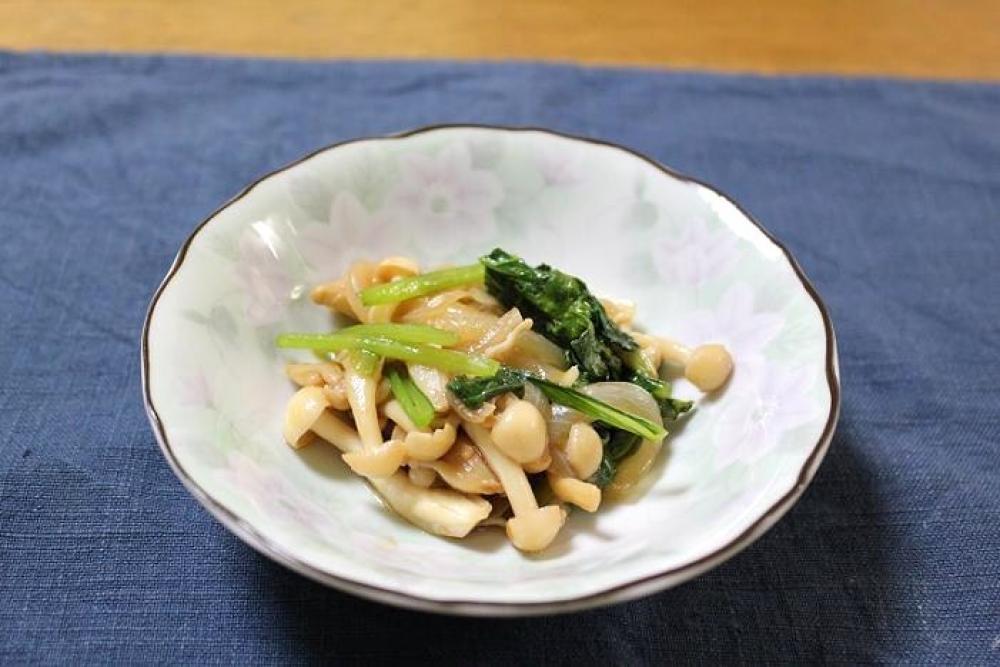 小松菜とブナピーのオイスター炒め