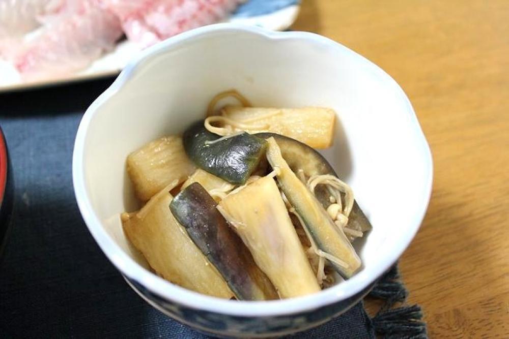 長芋と茄子とえのきの炒めもの