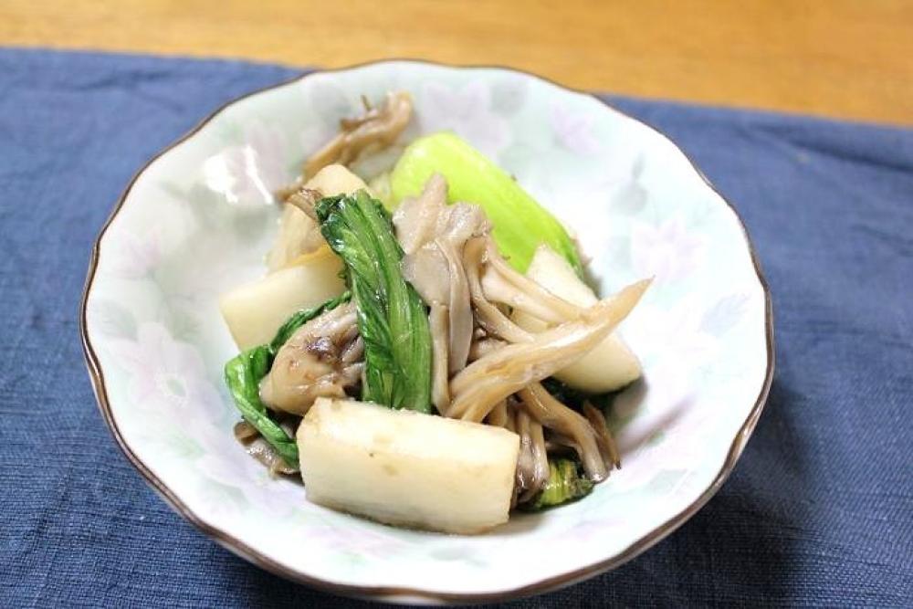 チンゲン菜と長芋の炒めもの