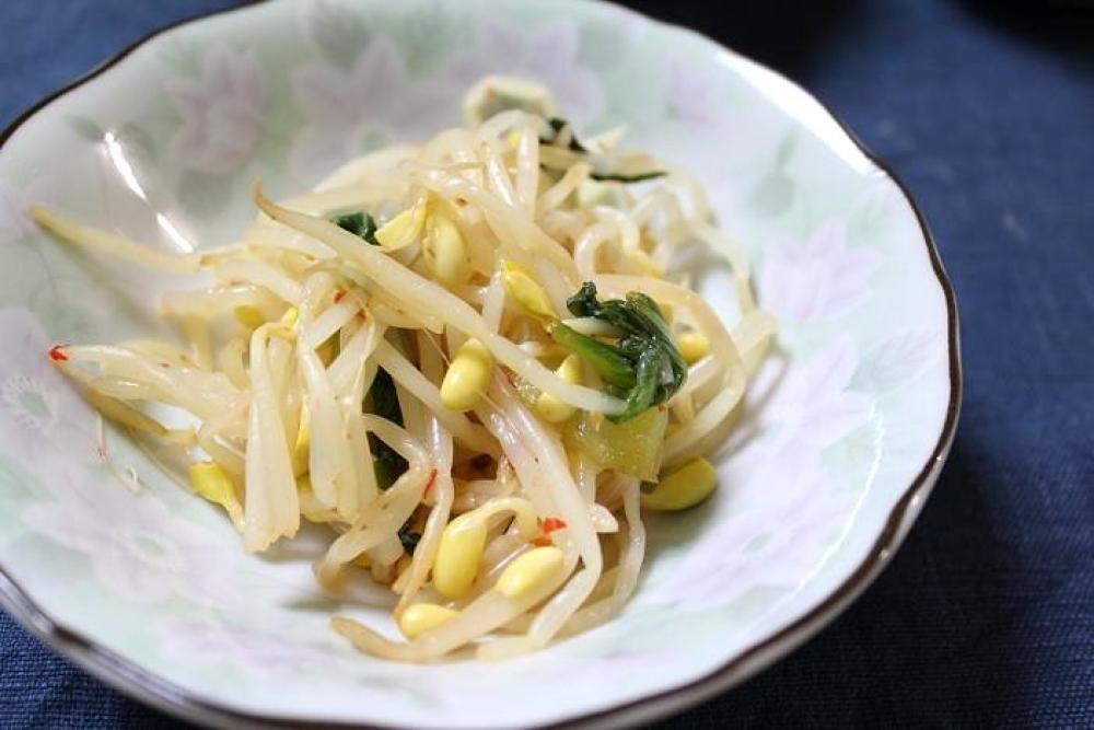 豆もやしとチンゲン菜のピリ辛和え