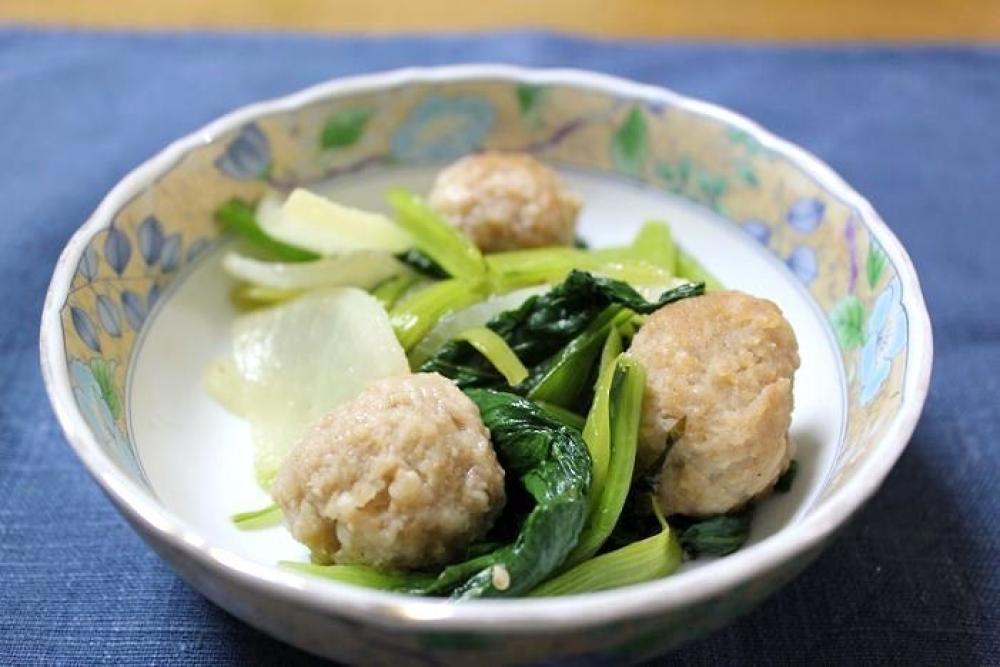 鶏団子と大根と小松菜の塩だれ炒め