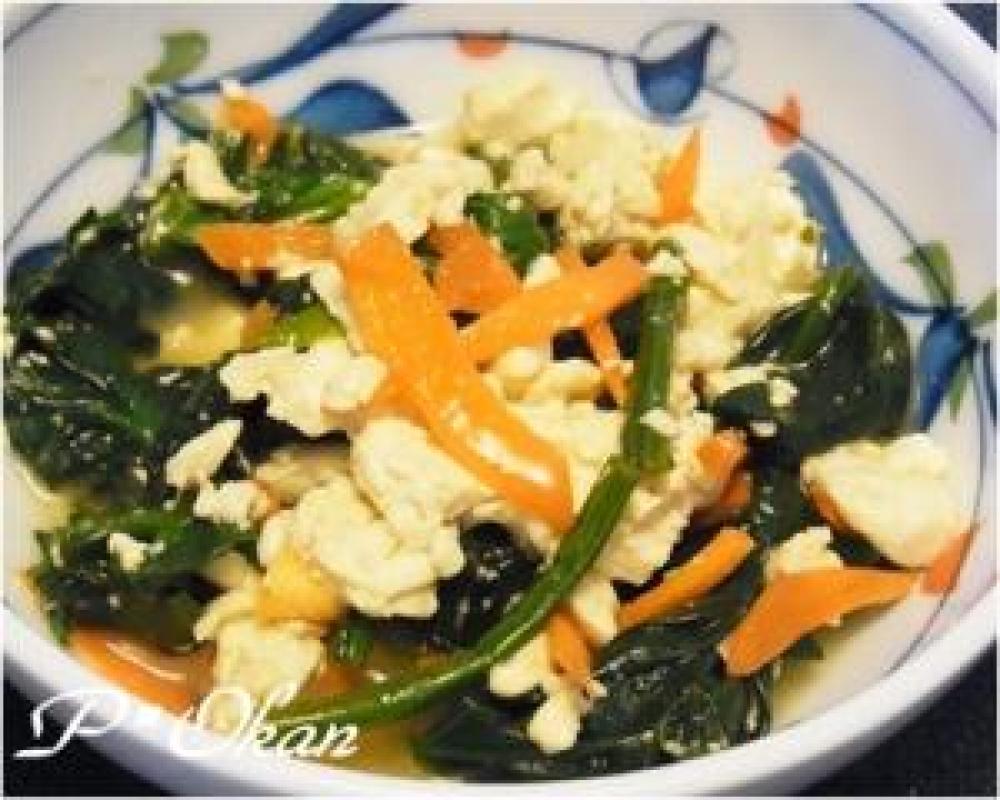 ホウレンソウと豆腐の炒め物