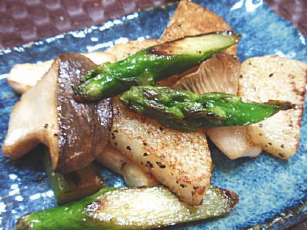 エリンギ・アスパラ・長芋のバターソテー
