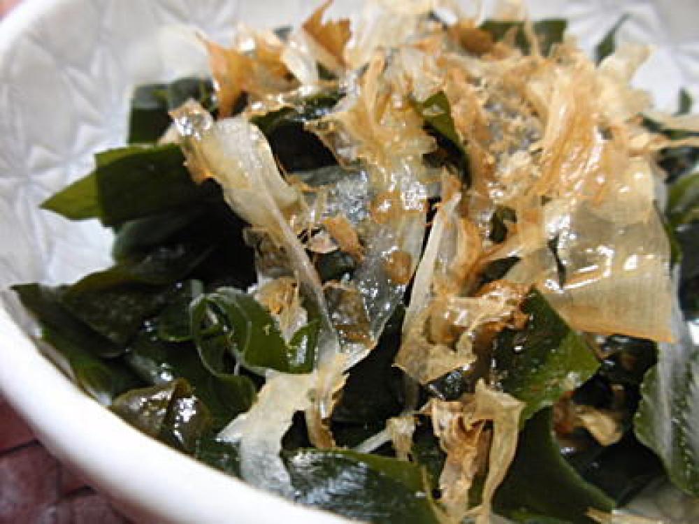 わかめと玉ねぎの和風サラダ