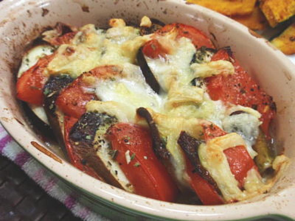 茄子とトマトのとろけるチーズオーブン焼き