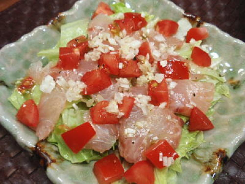 真鯛と角切りトマトのカルパッチョ風サラダ