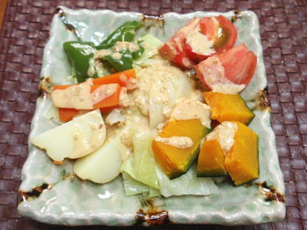 スチーム野菜の自家製胡麻マヨドレッシング
