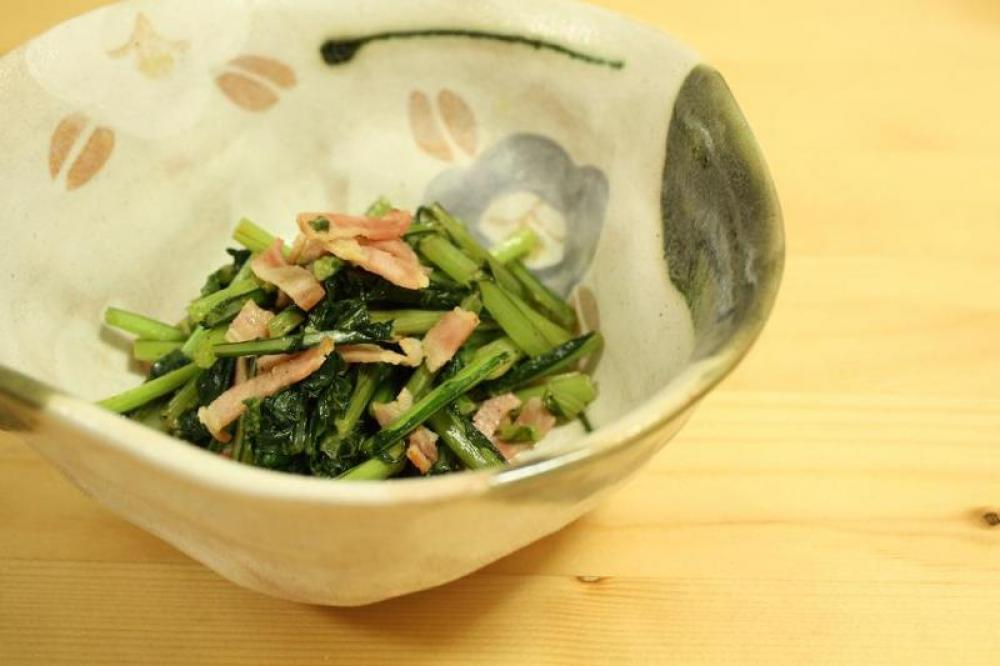 かぶの葉とベーコン炒め