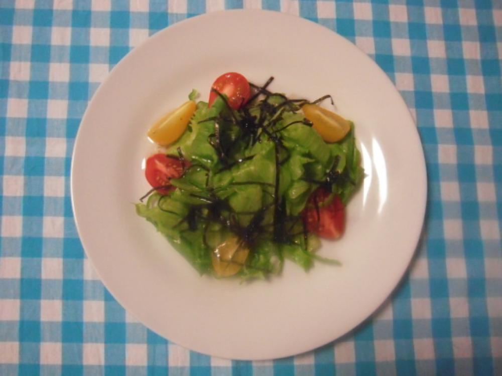 生野菜と海苔のサラダ