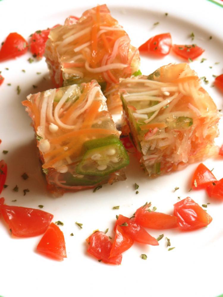 カニカマと野菜のキューブサラダ
