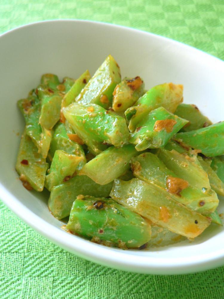 辛そうで辛くないブロッコリー茎マヨ