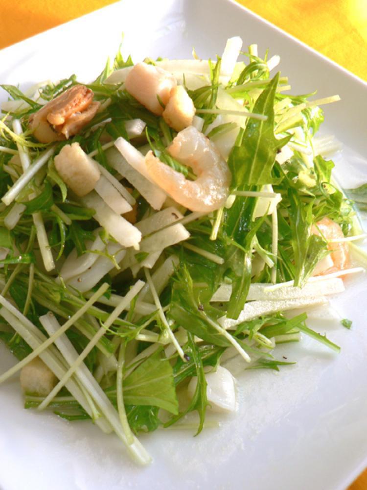 水菜と大根のシーフードサラダ