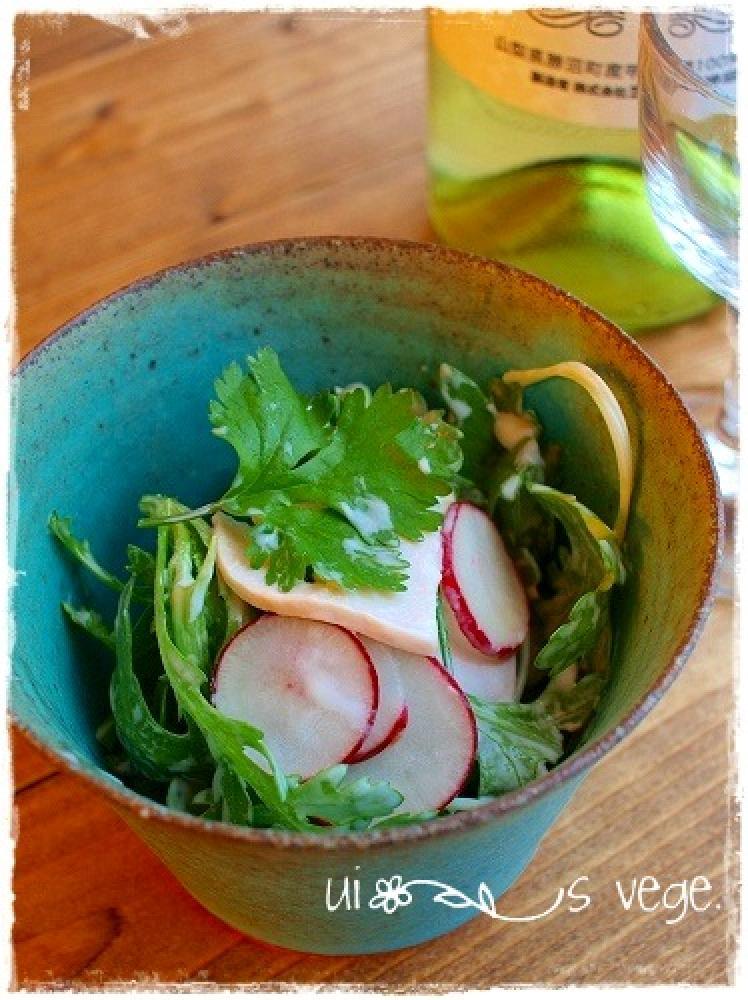 春菊と鶏ハムのサラダ♪ナンプラーマヨで