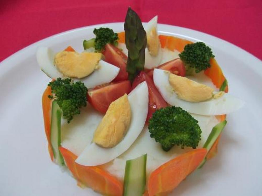ケーキ型お野菜達でお祝い(*^_^*)