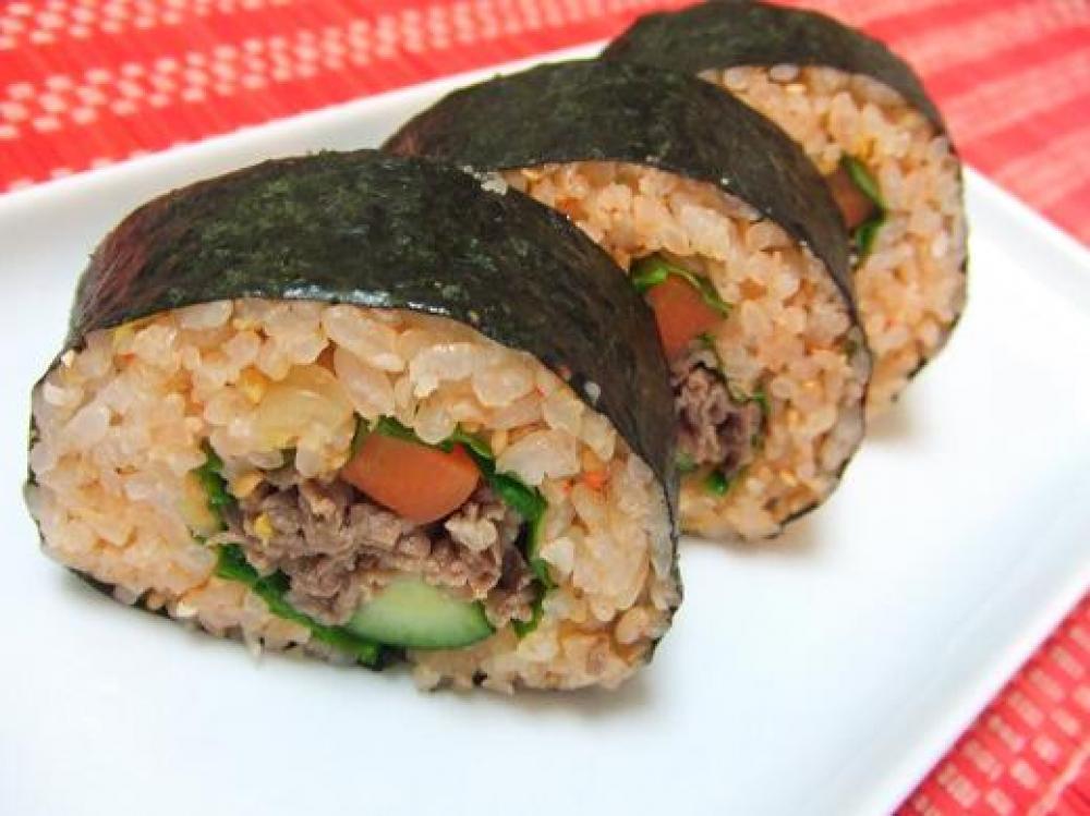 キムパプ風「牛肉の巻き寿司」