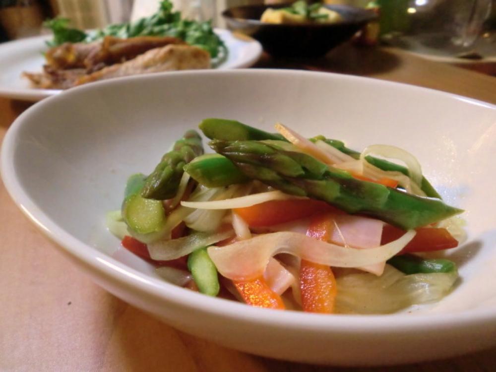 アスパラとパプリカの香りサラダ