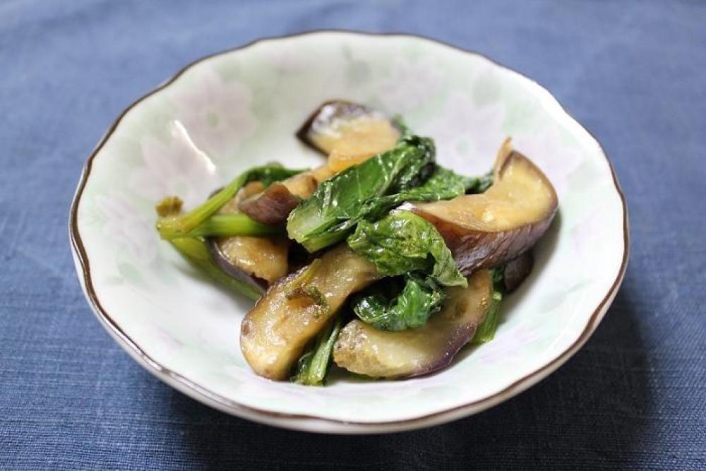 なすと小松菜の炒めもの