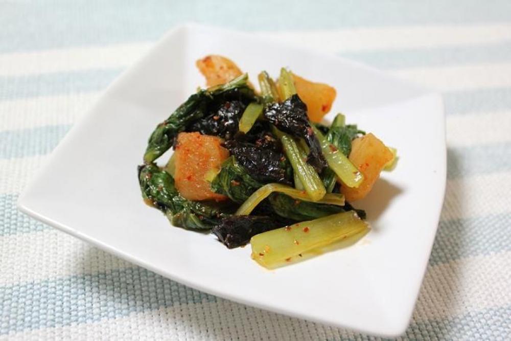 小松菜とカクテキの炒めもの