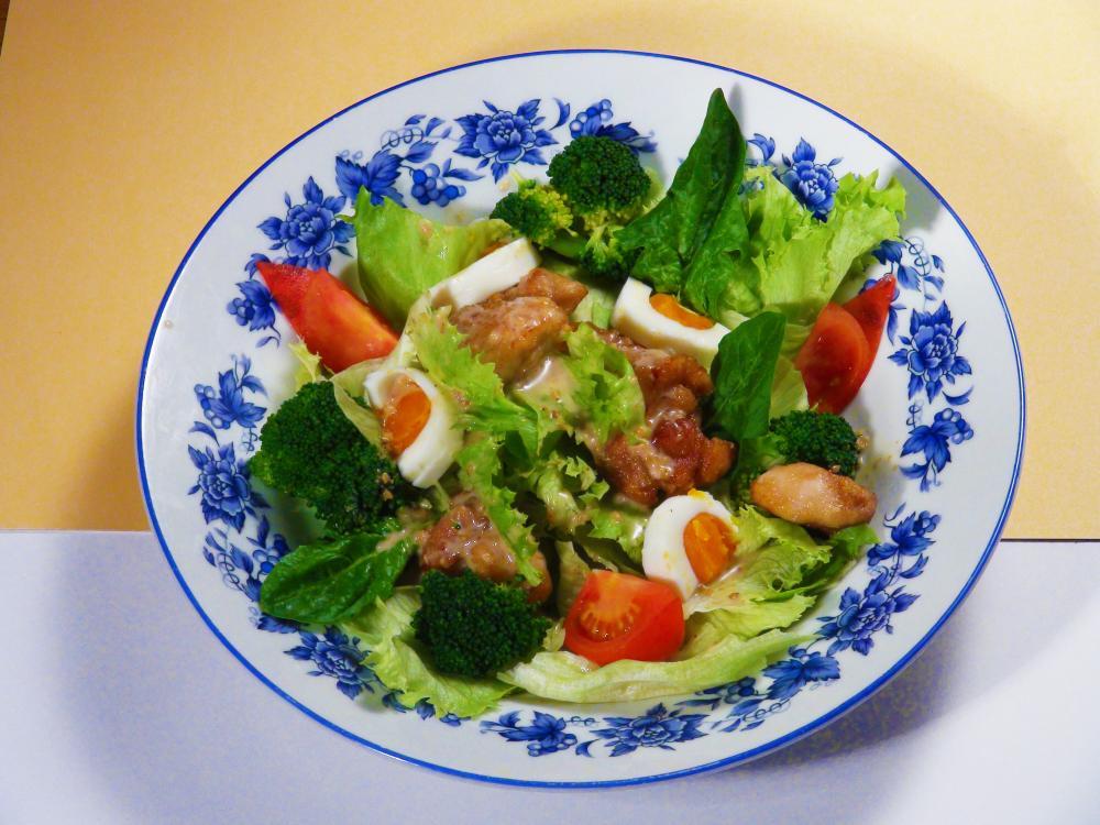 鶏と野菜のごまサラダ