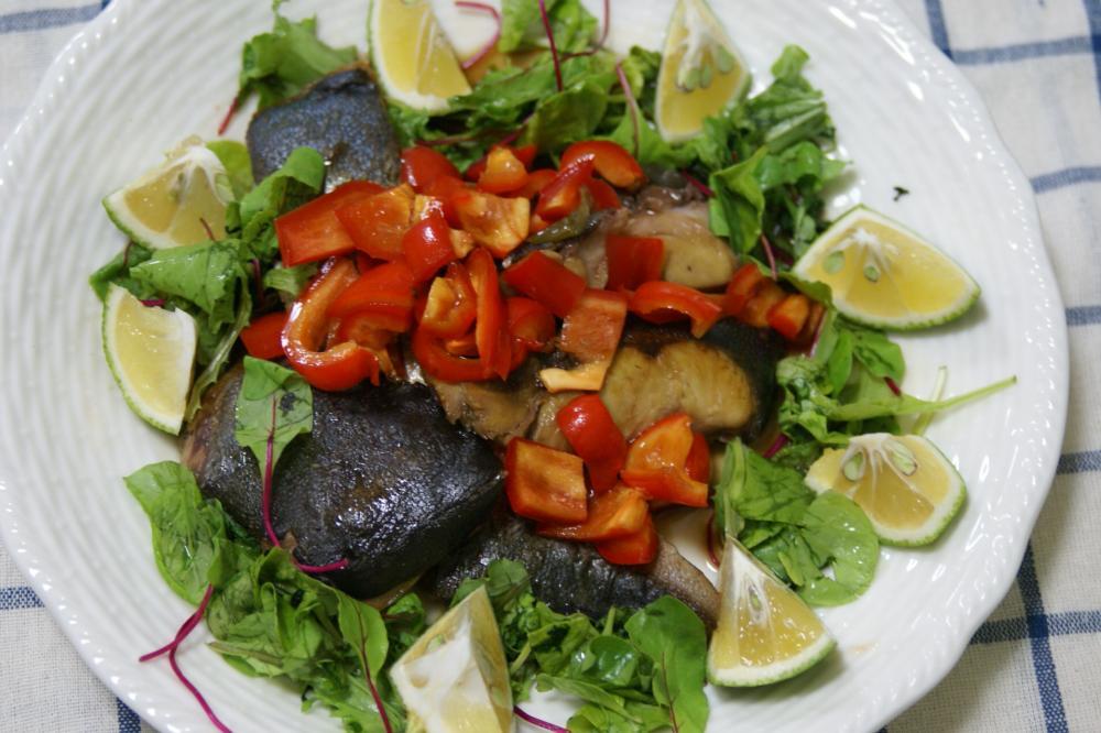 ぶりのバルサミコ風味サラダ仕立て