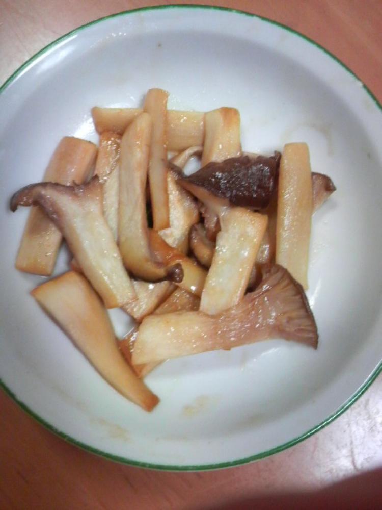 エリンギのバターポン酢炒め