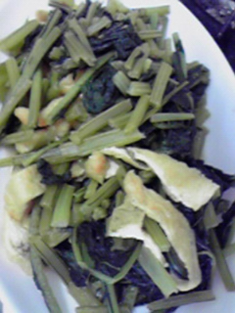 簡単美味しい☆カブの葉と油揚げの炒め物♪