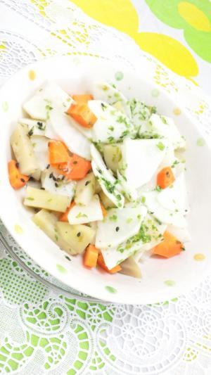 根菜とじゃが芋の和風青のりごまサラダ