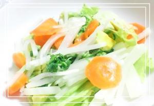 野菜サラダ*レタス大根アボカド人参水菜