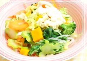 具だくさん 豆腐ディップの野菜サラダ